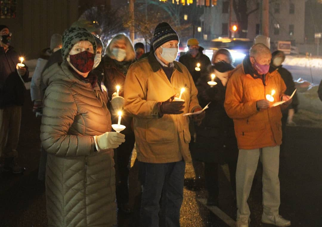 'The light is shining in the darkness:' Community members gather to remember those in the homeless community who died this year