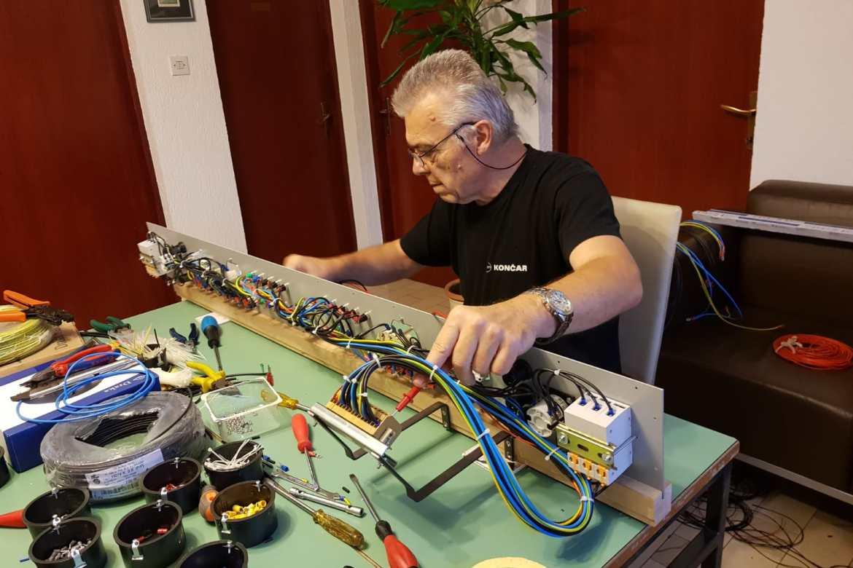 Izrada praktikuma za elektrotehniku
