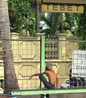 homeless man at staseun tebet