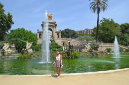 The Casacada Monumental in Barcelona.... it was really sunny lol
