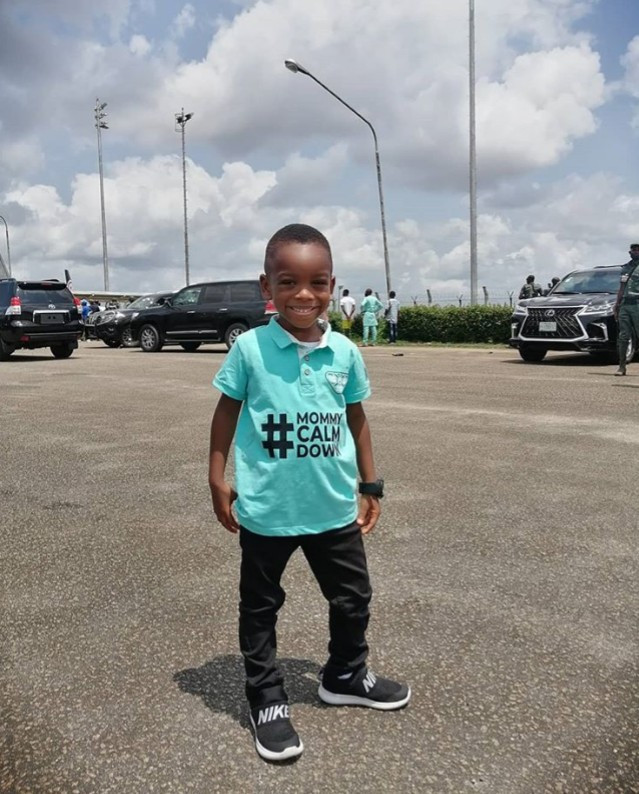 """Lagos State governor, Sanwo-Olu meets the boy in the """"mummy calm down"""" video (photos)"""