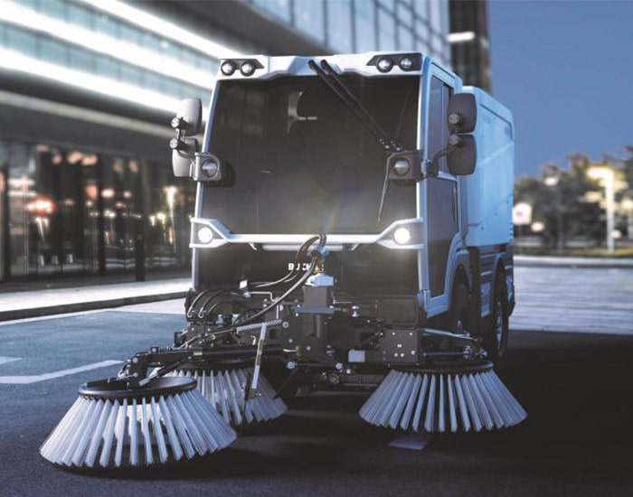 citycat-v20e-road-sweeper-for-rent-in-oman
