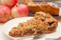 Rudens ābolu pīrāgs ar drumstalām