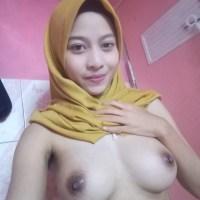 Muslim girl hijab selfie nude show black pussy 2019