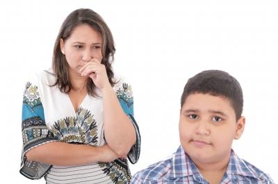 Parents who nitpick their teens can hurt the relationship. Credit: David Castillo Dominici via freedigitalphotos.net