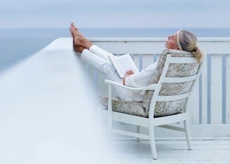 https://i0.wp.com/teenymanolo.com/wordpress/wp-content/uploads/2010/05/woman-relaxing.jpg