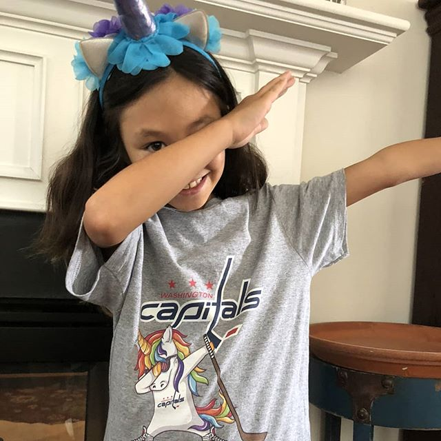 Hip Hop Dabbing Unicorn Flippin' Love Washington Capitals NHL Shirts photo review