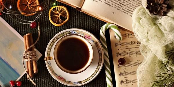 Parhaat teeaiheiset joululahjaideat Teetuokio-blogissa. Löydä parhaat itsetehdyt joululahjat!