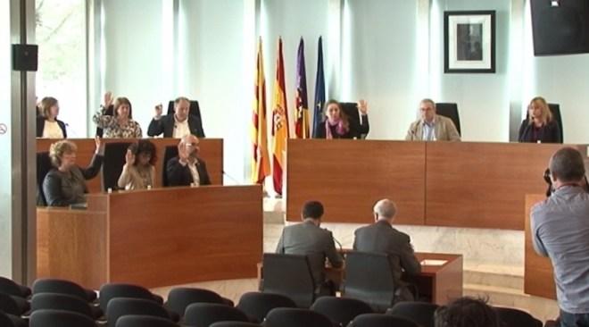 01/04 El ple deixa al descobert les discrepàncies entre PSOE i Podem-Guanyem
