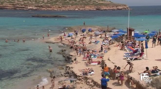 19/07 L'oposició contra la gestió de platges de Sant Josep