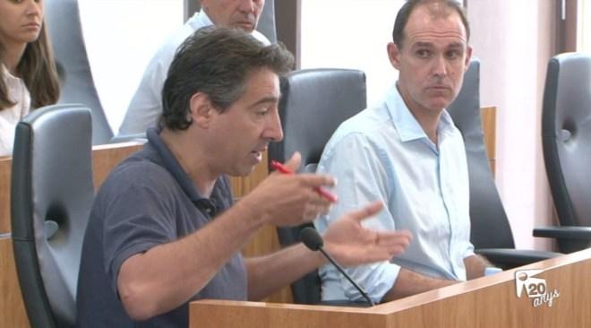19/07 Toni Villalonga no dona suport a la Medalla d'Or a Paco Vázquez
