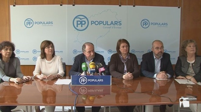 30/12 El PP critica el govern de Vicent Torres