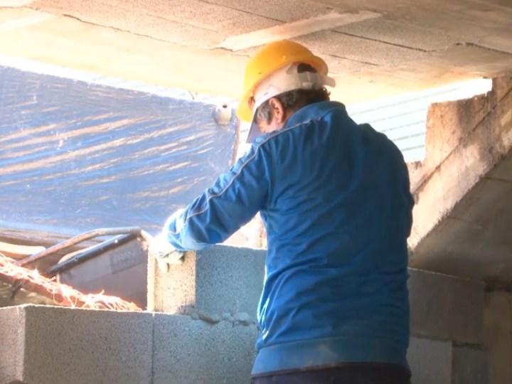 13/02  L'Ajuntament d'Eivissa ha començat a tapiar els accessos a l'edifici okupa d'Es Viver