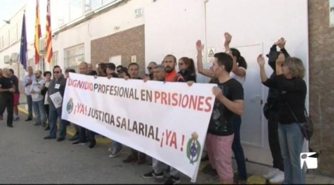 24/10 Els treballadors de presons van a la vaga