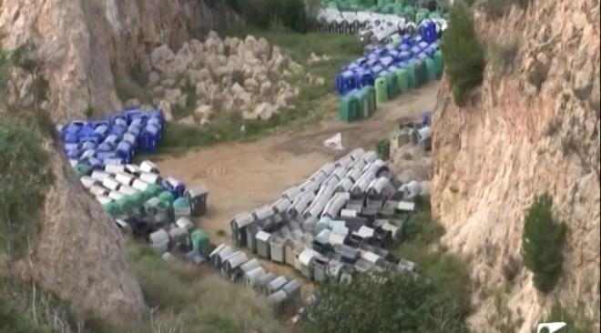 07/01 Els contenidors continuen a Can Coix