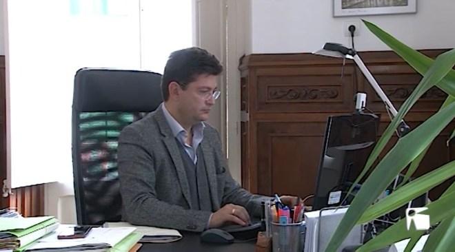 20/02 Els advocats amenacen amb vaga