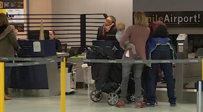 07/02 L'aerolínia Ryanair cobra 25 euros per trajecte per viatjar a un nadó de menys de dos anys