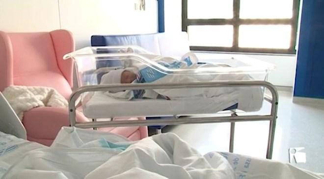 01/04/2019 Els pares ja tenen 8 setmanes de permís de paternitat