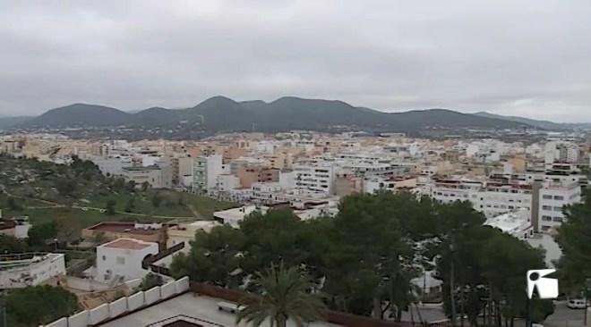 02/04/2019 El Consell d'Eivissa nega que existeixin més de 24.000 habitatges destinats a lloguer turístic
