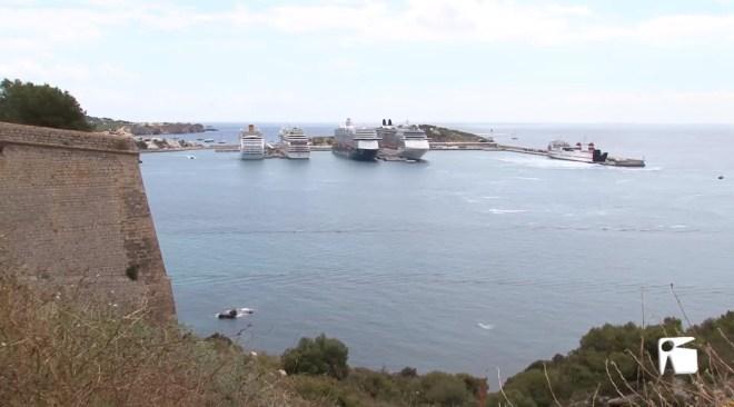 17/10/2019 Un creuer desviat de Tarragona a Eivissa per les protestes contra la sentencia del procés