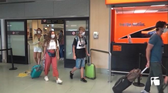 20/07/2020 Els rebrots no impedeixen l'arribada de vols de Barcelona