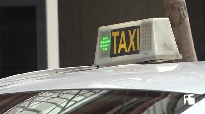 05/02/2021 Les VTC fan perillar les llicències de taxi estacional
