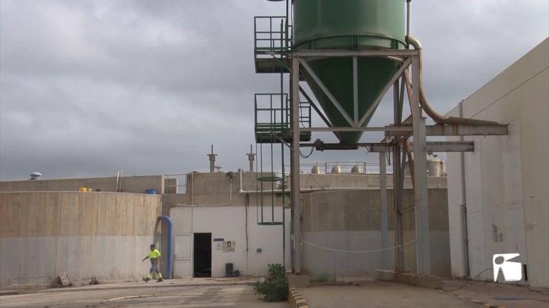 24/09/2021 Vesins i comerciants estan farts dels vessaments de la depuradora de Vila