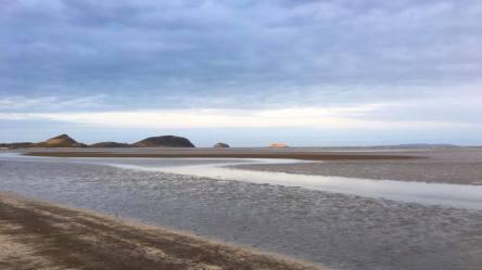 Kinka Beach grey-brown sands