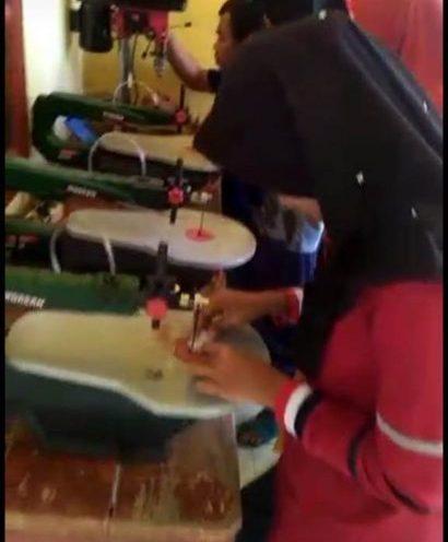 Warga Teluk Nibung Aceh Mengubah Batok Kelapa Jadi Produk Bernilai