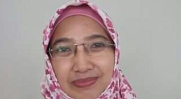 Fitri Budi Suryani Resmi Sandang Doktor