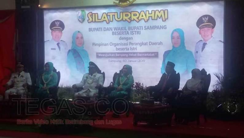 Bupati dan Wakil Bupati Sampang Terpilih Disambut Suka Cita Masyarakat