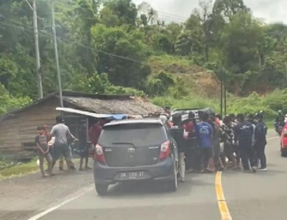 Penjerahan mobil bantuan gempa Sulbar