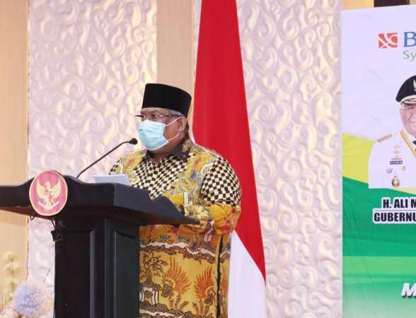 Gubernur Sultra, H. Ali Mazi, SH., saat menyampaikan sambutannya