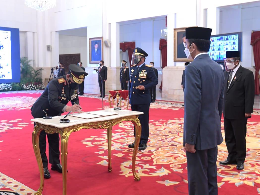 Upacara Sertijab dan penyerahan Panji Polri Tribrata dari Jendral Idham Aziz kepada Jendral Listyo Sigit Prabowo
