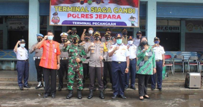Dandim Jepara dan Kapolres Jepara saat peluncuran terminal siaga candi