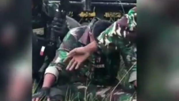 Prajurit TNI saat kontak senjata dengan KKSB Papua