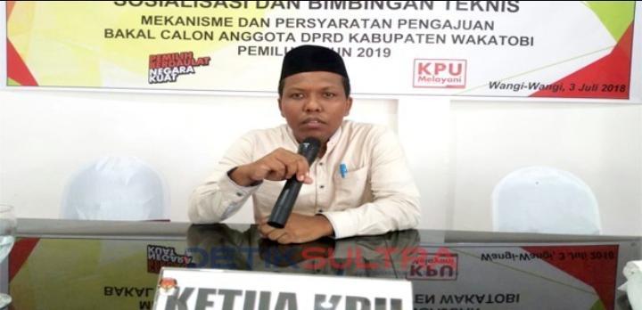 Ketua KPUD Wakatobi, Abdul Rajab