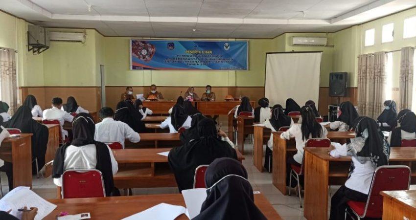Foto Proses Ujian Pendamping UKS di Aula Dinkes Kabupaten Kolaka