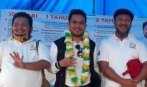 Ketua DPW Partai Berkarya Sultra (tengah) bersama Paslon Ombak