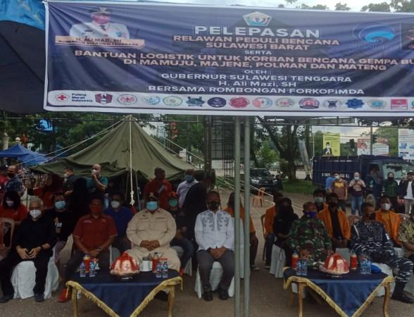 Gubernur Sultra, H. Ali Mazi, SH., menghadiri kegiatan pelepasan Relawan Sulbar