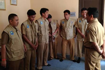 Tim responce cepat yang dibentuk Dinas kependudukan dan capil kabupaten bantaeng saat mengikuti pembekalan. FOTO : SYAMSUDDIN
