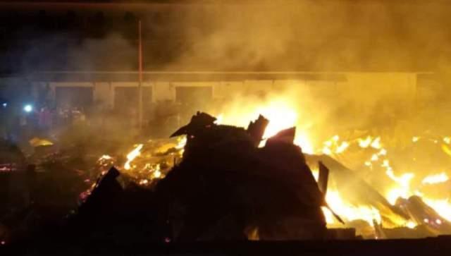 Kebakaran Hanguskan 26 Kios di Baubau
