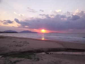 岩屋海水浴場からの夕日