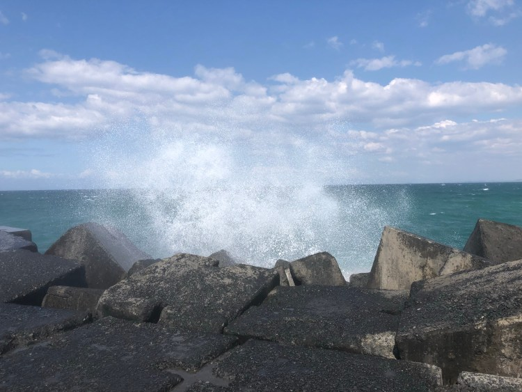 Ocean splashing on rocks