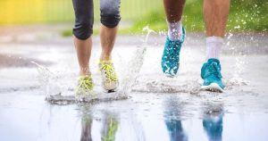 Mau Olahraga Lari Di Musim Hujan Bisa Kok
