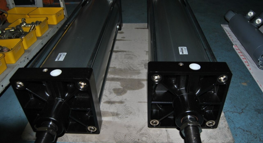 Production of large pneumatic cylinders