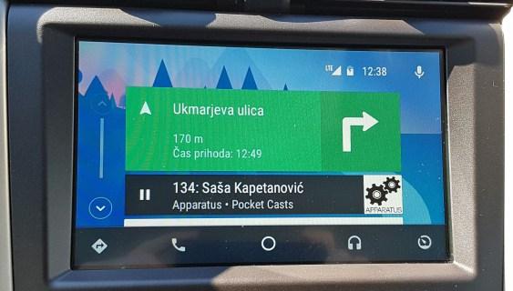 Tak je osnovni zaslon platforme Android Auto.