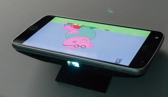 Projektor Insta-share je zabaven, a predrag.