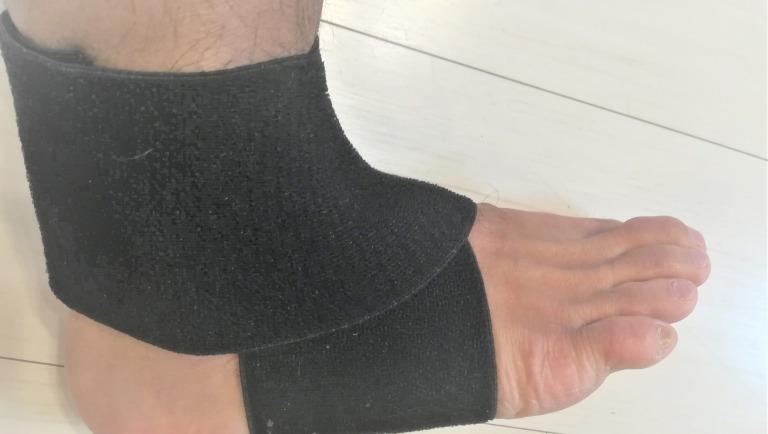 足 骨折 サポーター