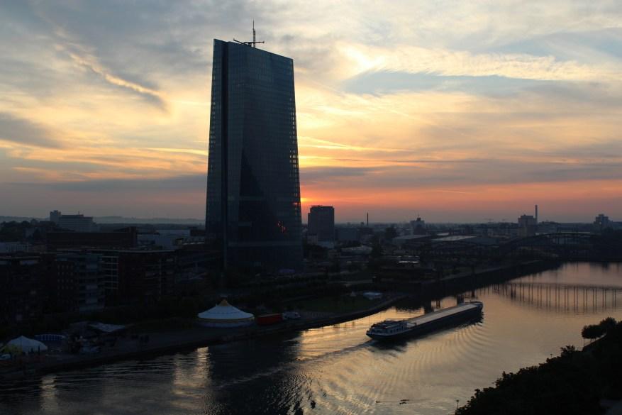 Frankfurt Sonnenaufgang